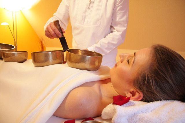 Massagen können helfen, Abstand vom stressigen Alltag zu gewinnen